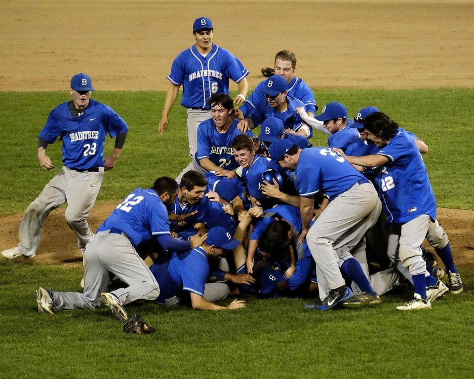 Braintree captured this year's Super 8 baseball title over St. John's Prep.