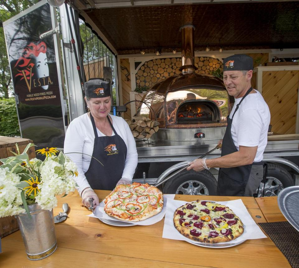 Pizza Wedding Reception Ideas: For The Ulimate Pizza Party: A Mobile Brick Oven