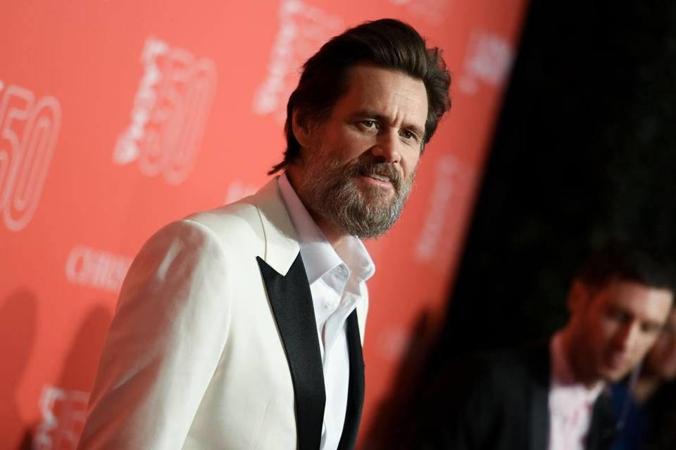 Jim Carrey slammed California Governor Jerry Brown on Twitter.