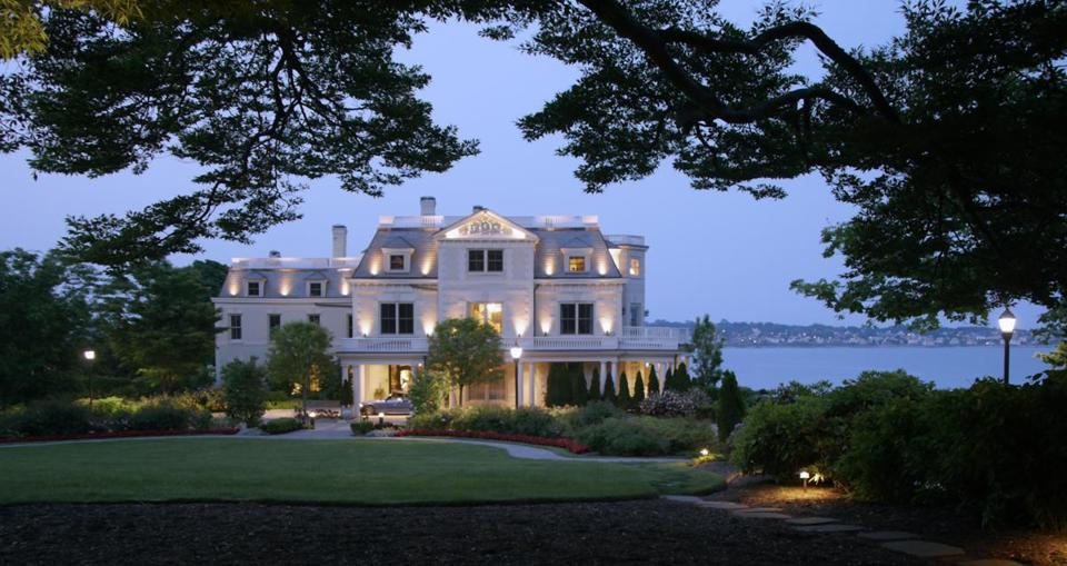 "At the romantic Chanler at Cliff Walk, a ""bath butler"" will draw a bath for you and your sweetheart."