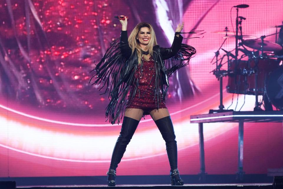 Shania Twain Says Farewell To Boston The Boston Globe