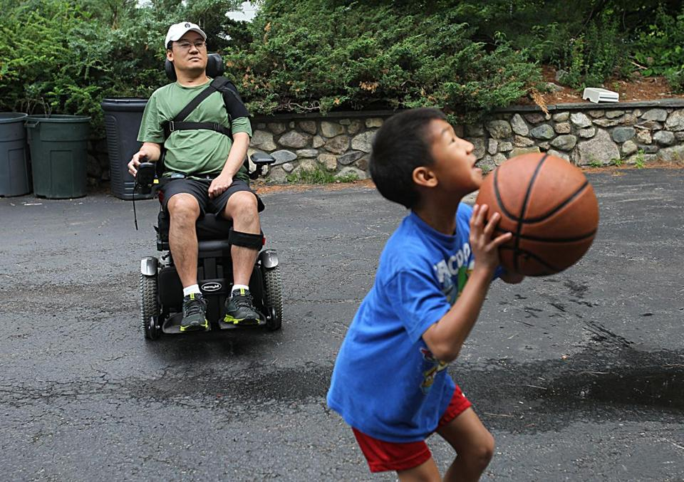 Tony Meng, a Westwood father of two, did not learn his physician also was operating on another patient during his 11-hour spine surgery until after he emerged paralyzed.