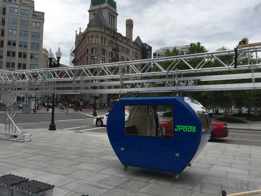 The company says commuters could use JPods to avoid rush-hour congestion and weather-related traffic problems.