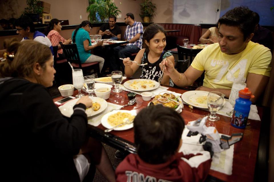 Seema And Girish Vazirani With Their Children Tvisha 9 Shaurya 4