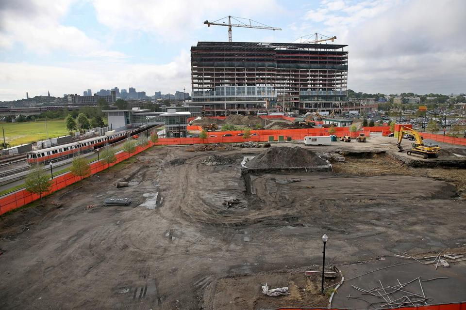 2a420ade59b Ground has been broken for a 20-story apartment building at Somerville s  Assembly Row