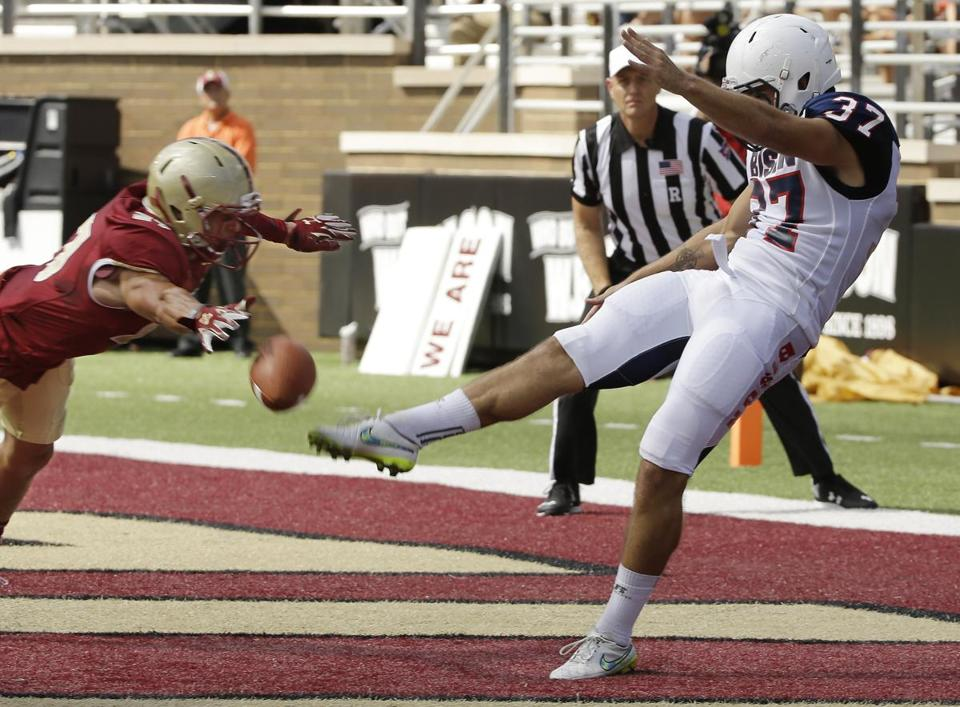 BC safety Justin Simmons blocked a punt by Howard's John Fleck (37) during the first half.