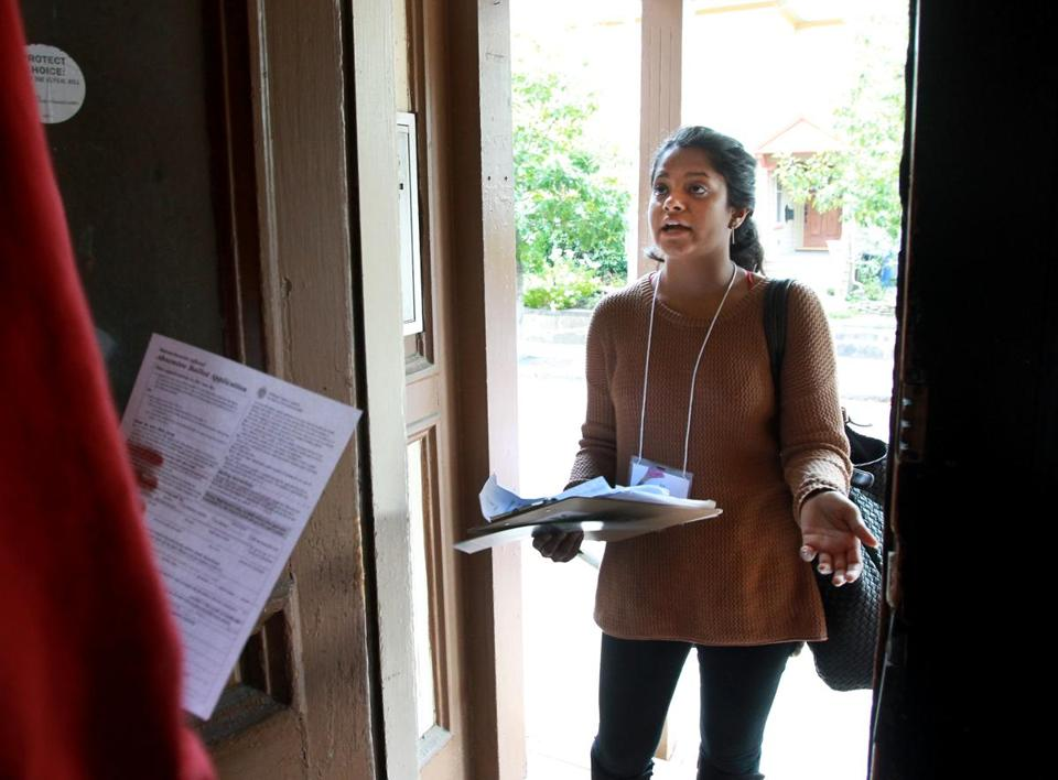 Environmental Voting Project canvasser Heleena Mathew spoke with a Green Street resident.  sc 1 st  The Boston Globe & Environmental group goes door-to-door in search of non-voters - The ...