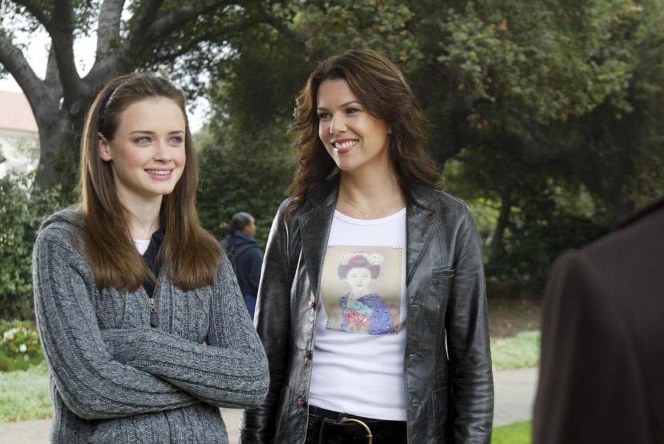 buzzsaw gilmore girls is the latest tv series to stage a comeback the boston globe. Black Bedroom Furniture Sets. Home Design Ideas