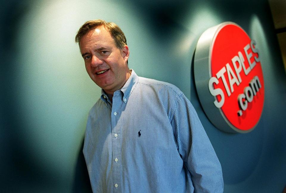 Thomas Stemberg, the founder of Staples, outside the Staples.com offices in 2000.