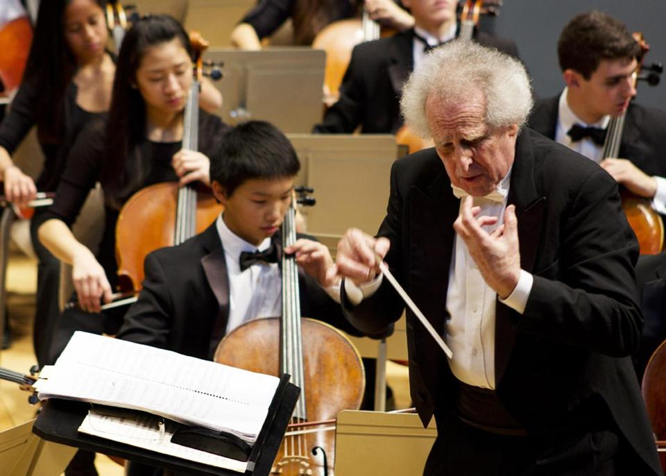 Benjamin Zander leading the Boston Philharmonic Youth Orchestra.