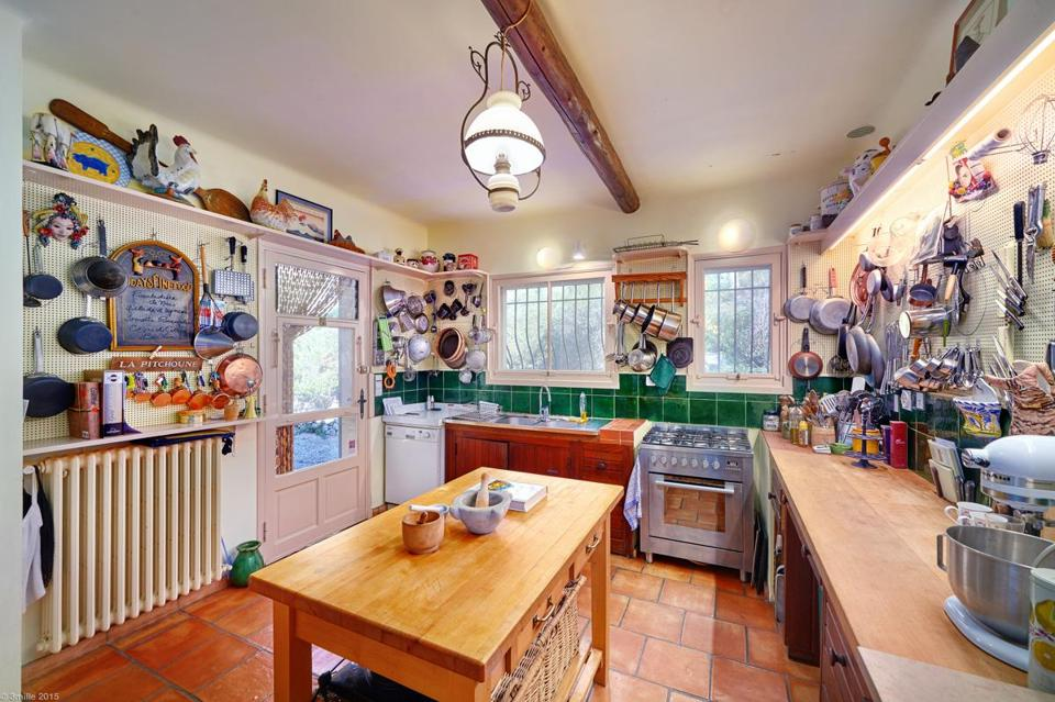 the kitchen in the home was modeled on julia childs cambridge home - Kitchen In French