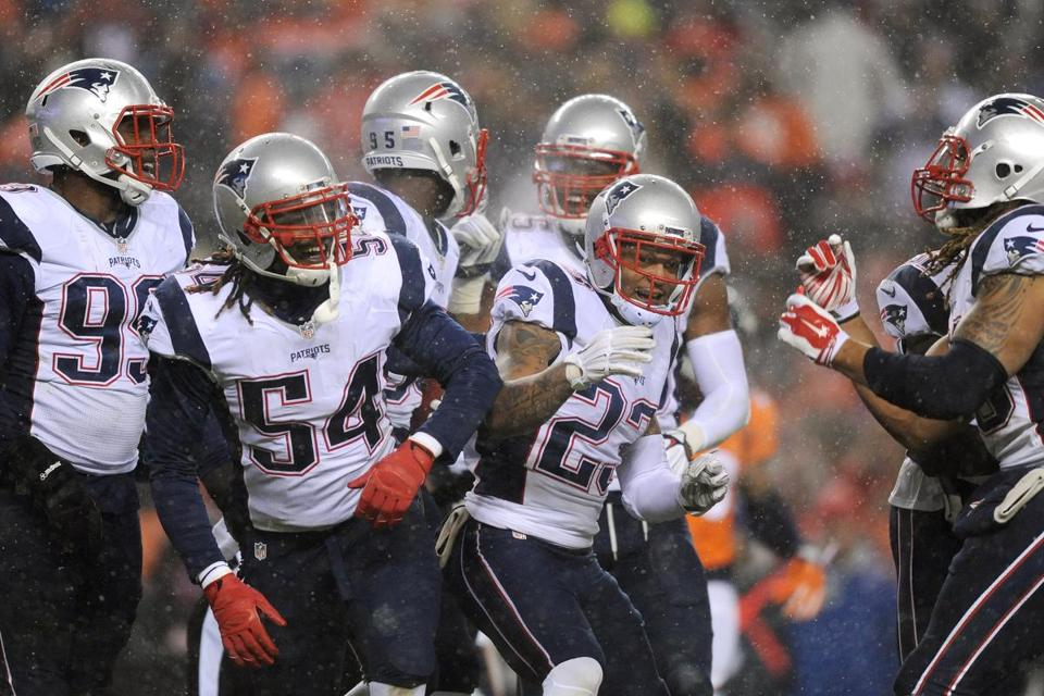 Dont'a Hightower (54) did not play in the second half Sunday night.