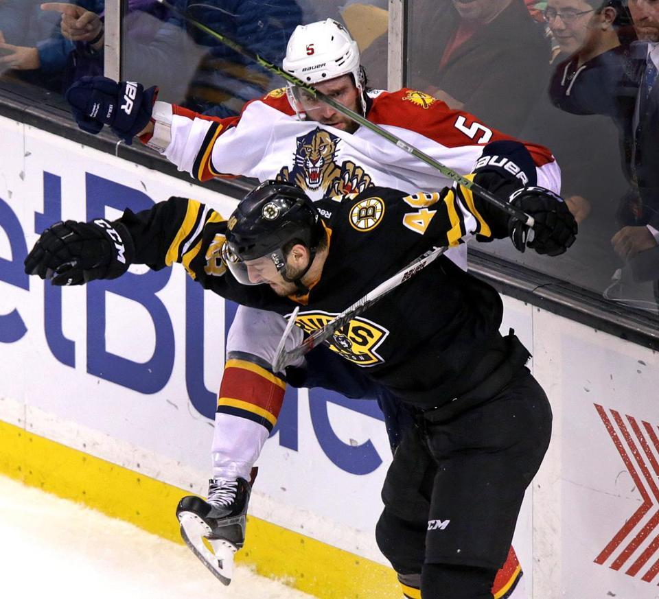 Ryan Spooner Leads Bruins Past Panthers
