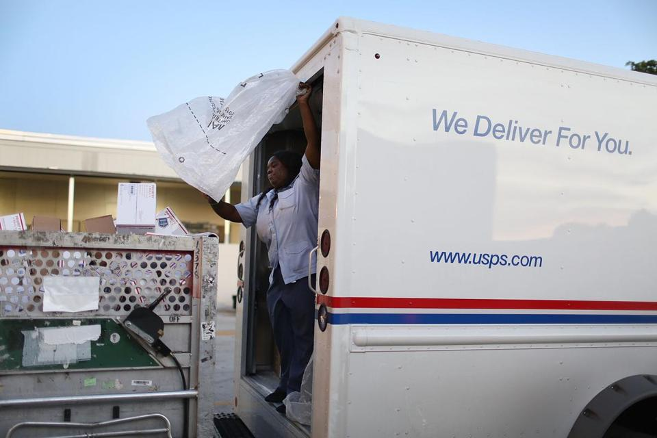 with christmas eve coming up the postal service was expecting 612 million pieces of - Does Mail Get Delivered On Christmas Eve