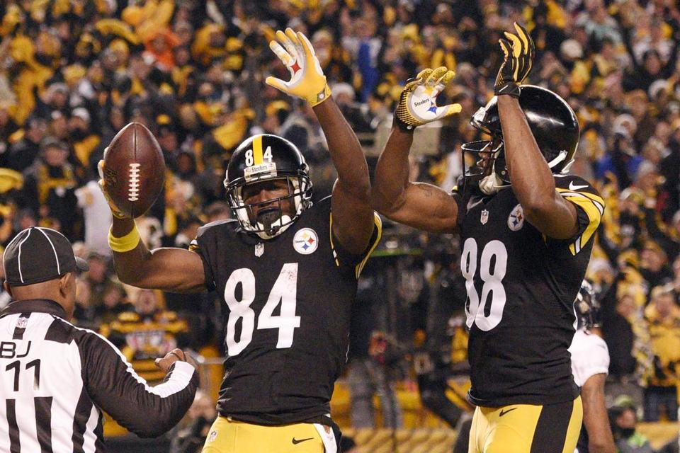 53bc624ab Steelers wide receiver Antonio Brown (84) celebrates his touchdown catch  with Darrius Heyward-