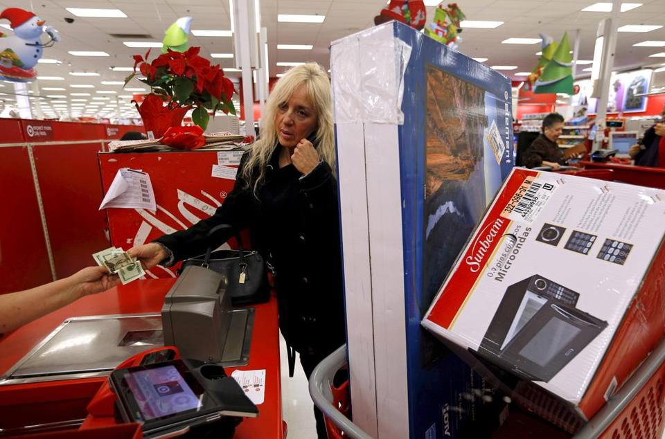 Starting on Thanskgiving, brick-and-mortar stores saw a 10.4 percent decline in sales, but online sales set records.