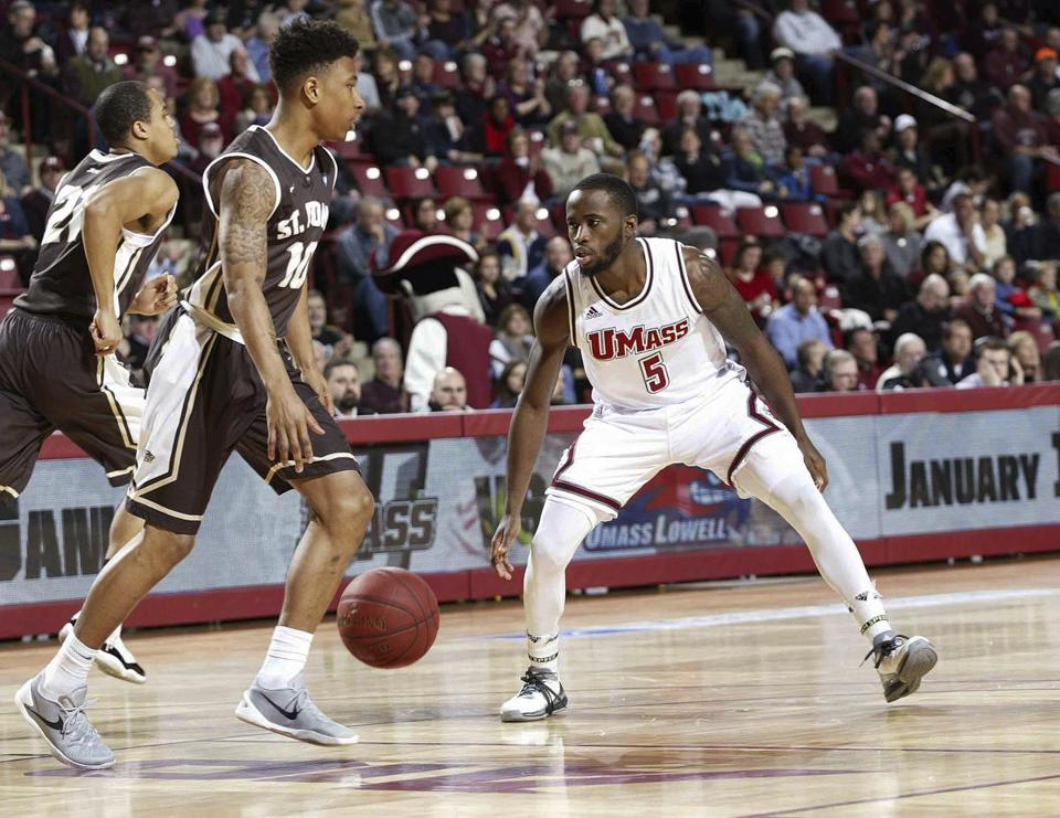 UMass struggles from field in loss to St. Bonaventure