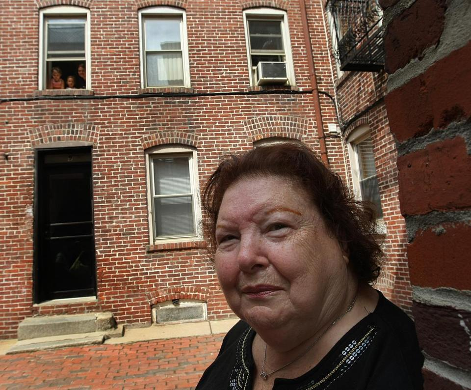 In 2009, Mary Fiumara stood in front of the home where she called for Anthony in the commercial.