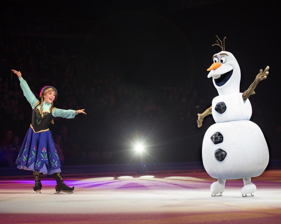 Disney On Ice Dazzles Fans Young And Old The Boston Globe