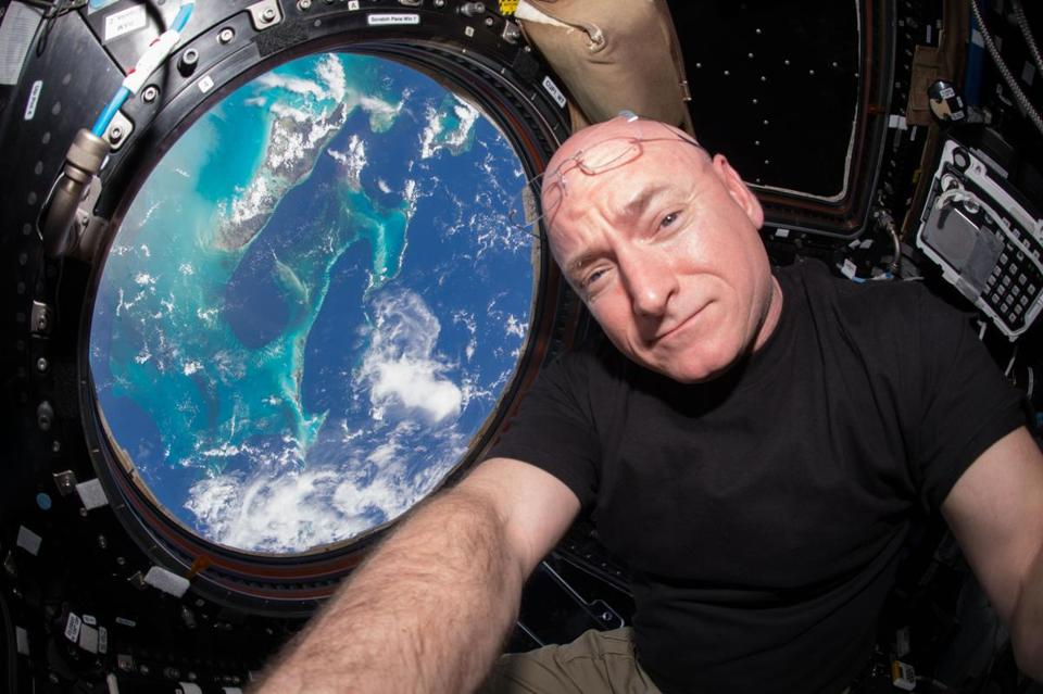Scott Kelly checks out of ISS