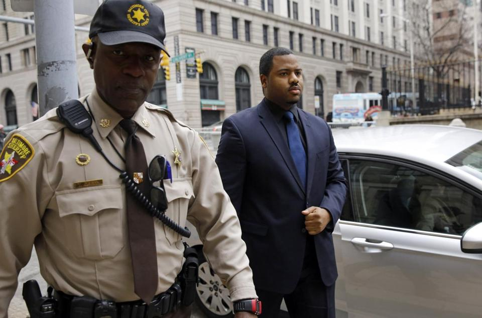 Baltimore police officer must testify in Freddie Gray ...