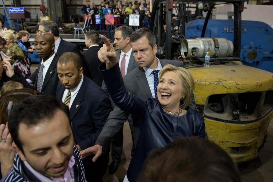 Hillary Clinton waved after addressing a rally Saturday in Youngstown, Ohio.