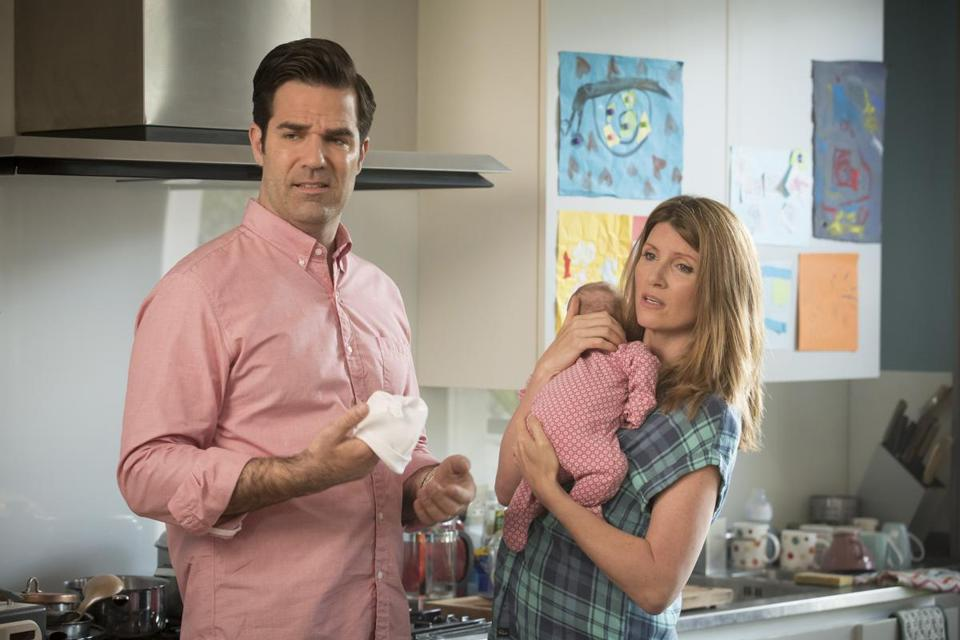 "Amazon Studios original series ""Catastrophe,"" Season 2. Pictured: L-R: Rob Delaney and Sharon Horgan Photo credit: Ed Miller -- 032716delaney"