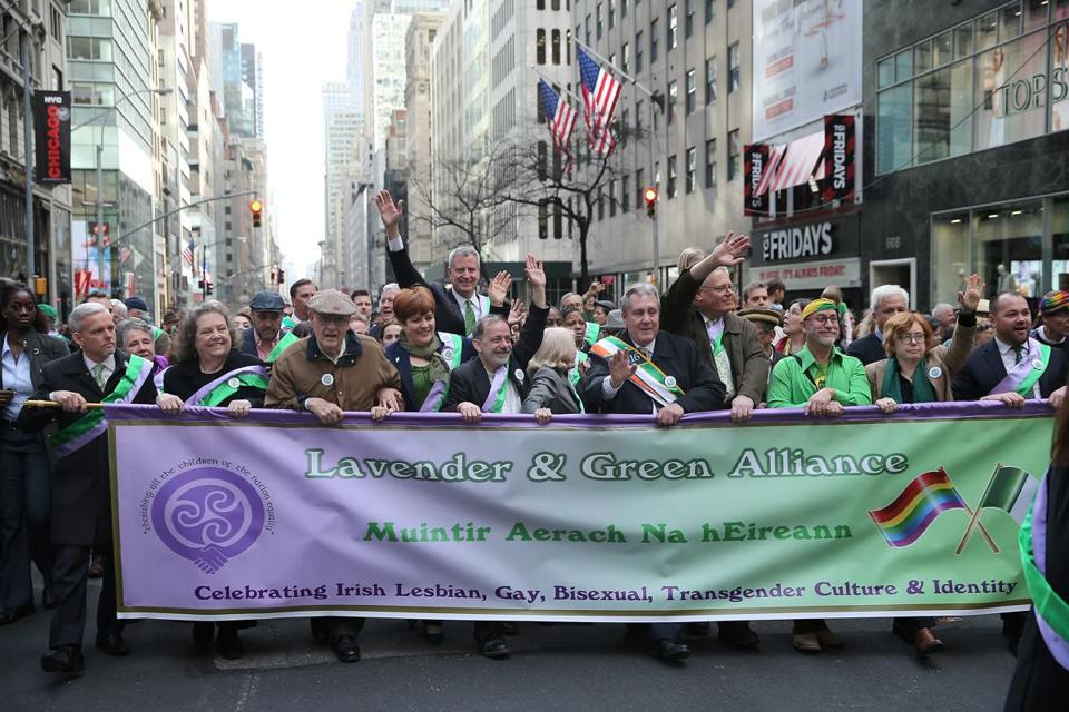 NEW YORK, NY - MARCH 17: New York City Mayor Bill de Blasio and his wife Chirlane McCray march with the Lavender and Green LGBT Alliance during the 255th annual St. Patricks Day Parade along Fifth Avenue in New York City on March 17, 2016 in New York City. (Photo by Jemal Countess/Getty Images)
