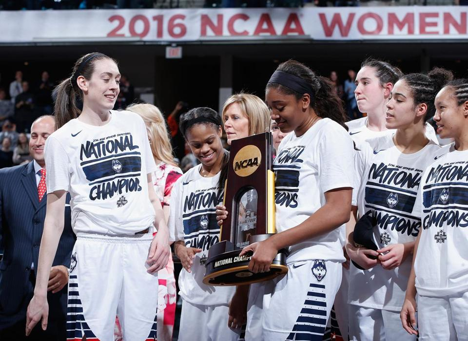 No Stopping Uconn Huskies Roll To Unprecedented Fourth Straight