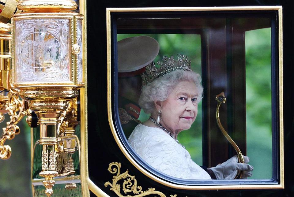 Britain's Queen Elizabeth II returned to Buckingham Palace by royal carriage in 2014.