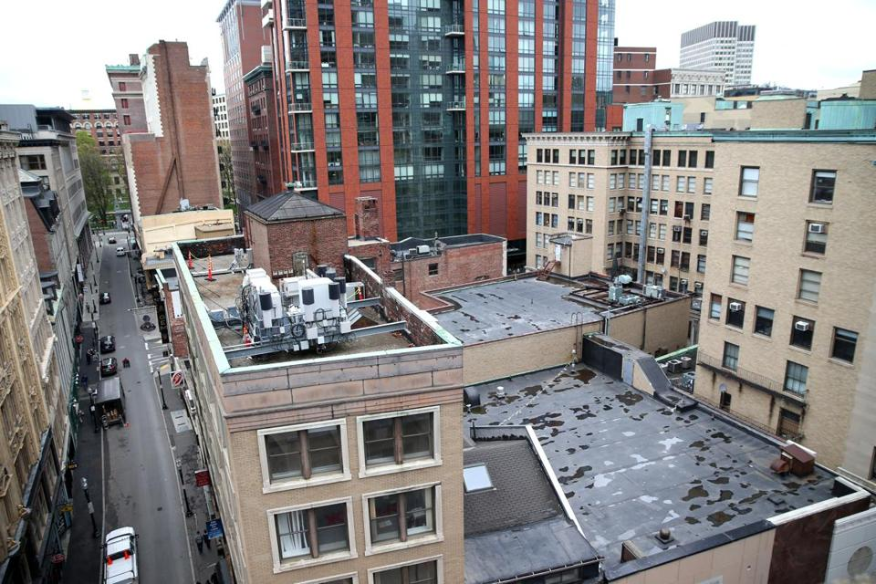 05042016 Boston Ma The view of a portion of Washington Street that shows the footprint of porposed new tower at left , 45 Province is looming in background, and the Jewelers Exchange Building is at right . Globe/Staff Photographer Jonathan Wiggs