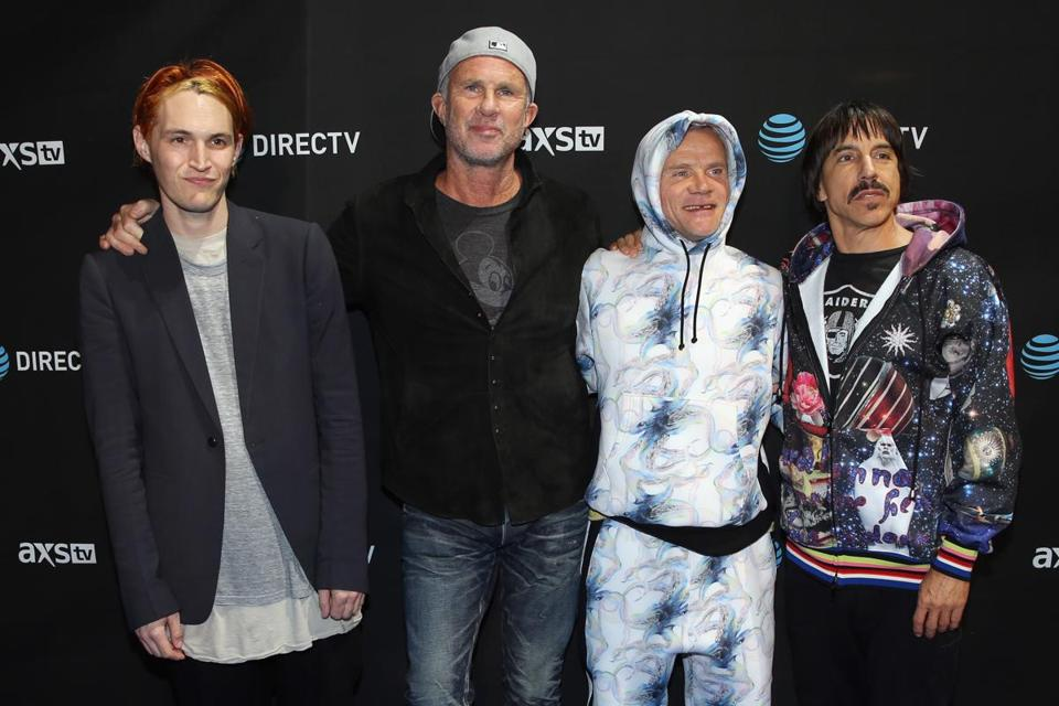 Red Hot Chili Peppers 2016 : red hot chili peppers unveil new single album track list the boston globe ~ Russianpoet.info Haus und Dekorationen