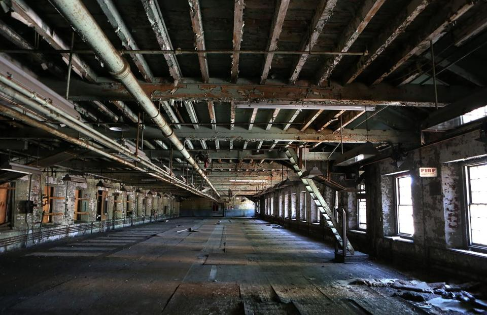 BOSTON, MA - 5/12/2016: Interior view of second floor....The renovating the old 'ropewalk' facility at the Charlestown Navy Yard, turning it into high end housing. Joe Timilty is renovating the old 'ropes factory' at the Charlestown Navy Yard, turning it into high end housing. (David L Ryan/Globe Staff Photo) SECTION: BUSINESS TOPIC 17ropefactory
