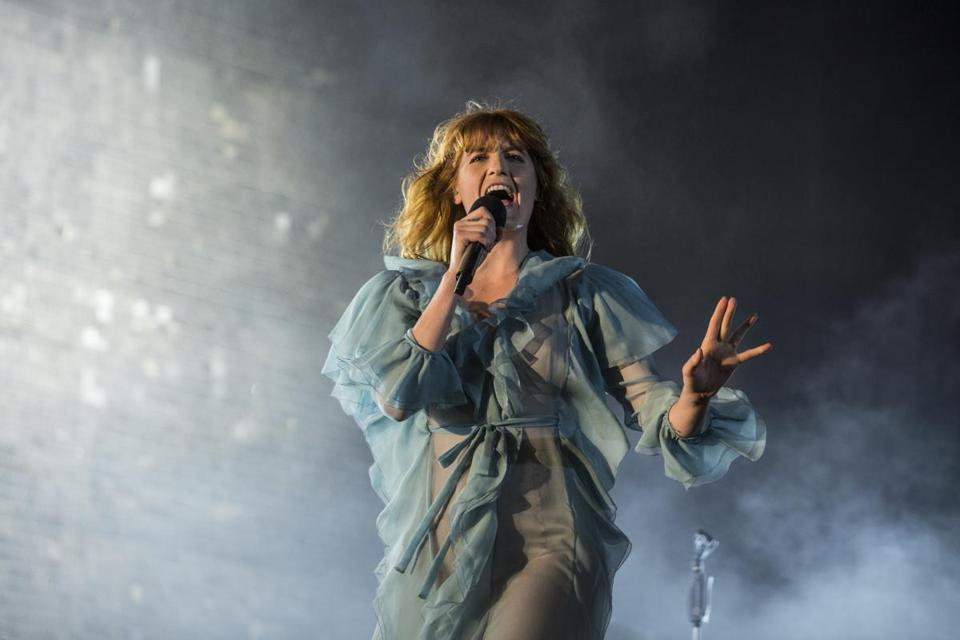 SAO PAULO, BRAZIL - MARCH 13: Florence Welch from Florence and The Machine performs at 2016 Lollapalooza at Autodromo de Interlagos on March 13, 2016 in Sao Paulo, Brazil. (Photo by Raphael Dias/Getty Images)