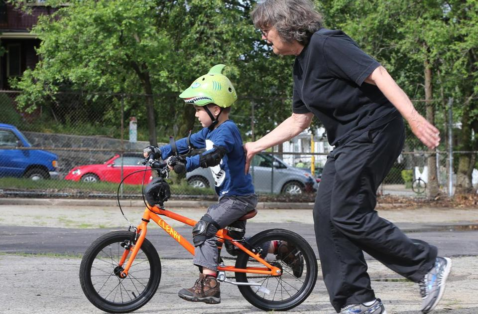 With Bike Lessons For Kids Some Parents Outsource Yet Another Rite Of Childhood The Boston Globe