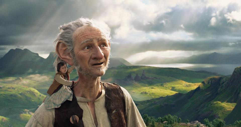 Ruby Barnhill and the BFG voiced by Mark Rylance.