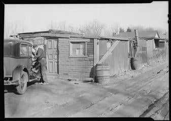 A squatter colony sits at the edge of Lancaster, Pennsylvania, in 1936. €™