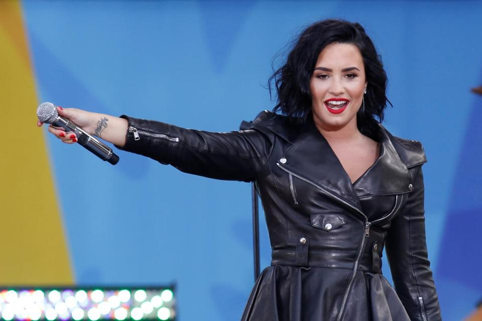 Singer Demi Lovato performs on ABC's 'Good Morning America' show in Central Park in New York City, New York, U.S. June 17, 2016. REUTERS/Lucas Jackson