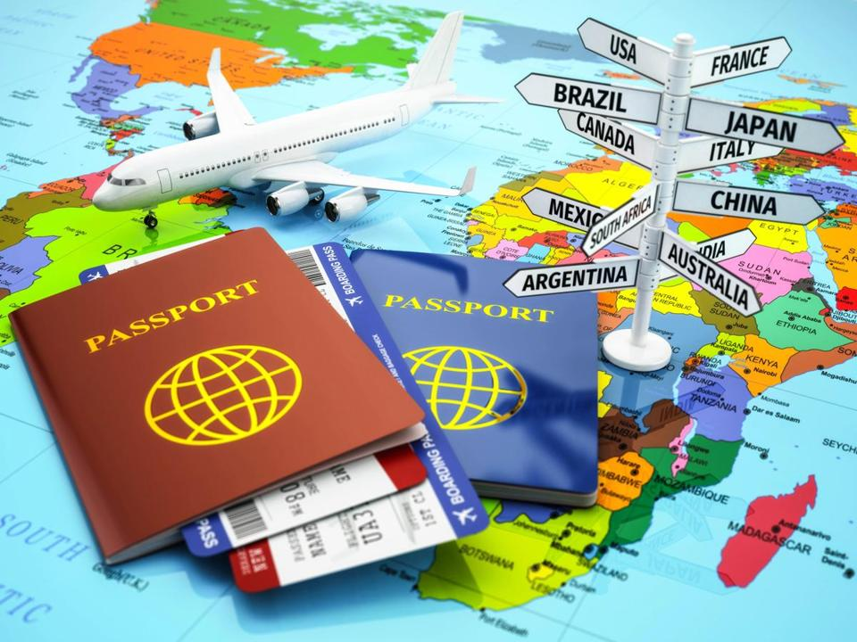 In this age of DIY travel planning, does it make sense to work with a travel agent? It looks like more travelers think so.