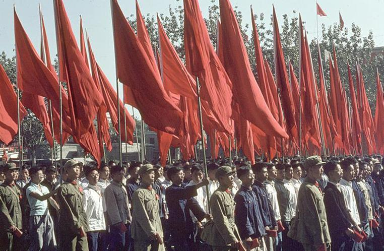 Demonstration for the National Holiday on Chang'an avenue on Oct. 1, 1966.
