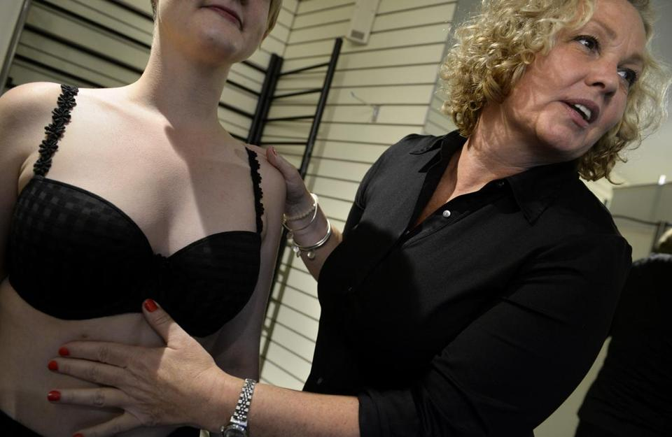 The Bra Whisperer Has Intimate Knowledge For Fitting -9657