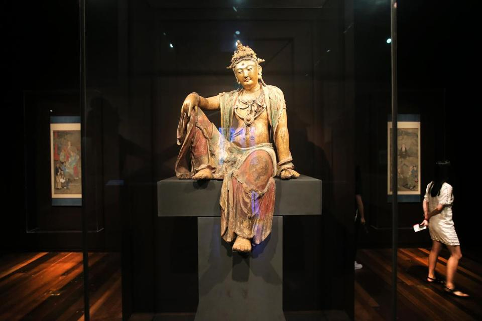 A sculpture of Guanyin, Bodhisattva of Compassion, from about 1200.