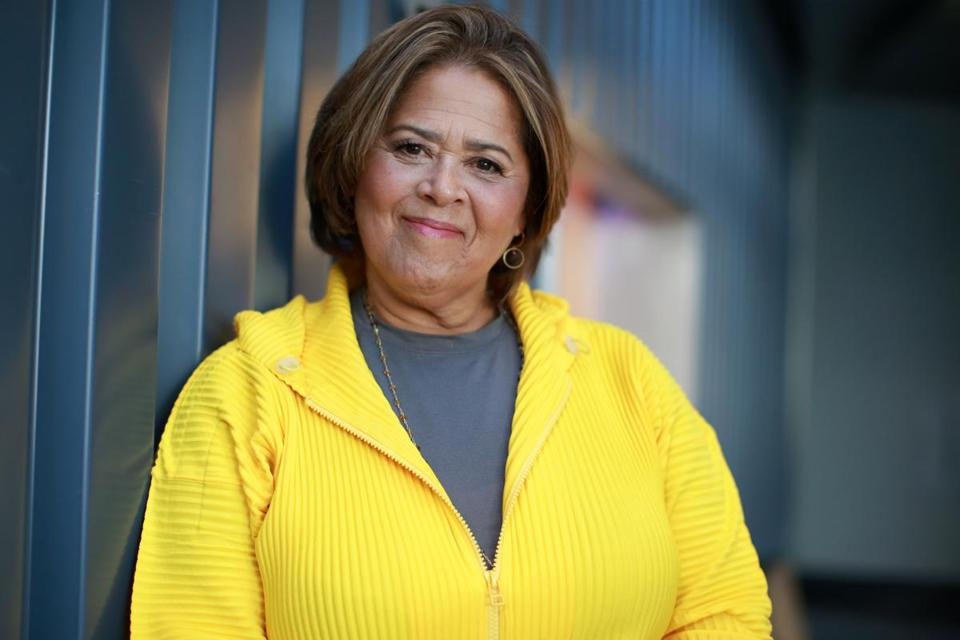 anna deavere smith height