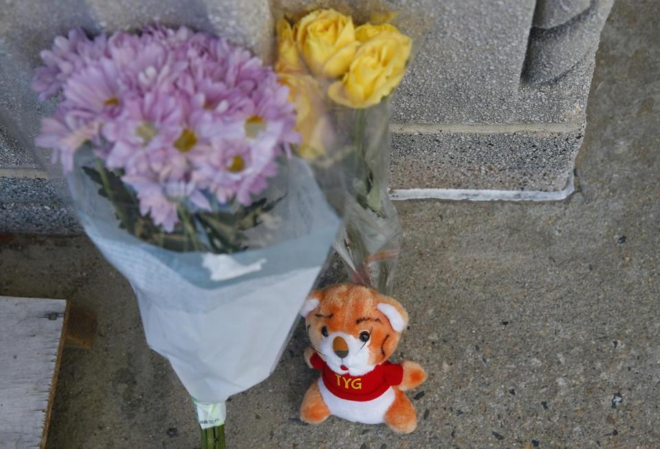 A makeshift memorial at the L Street Bathhouse.