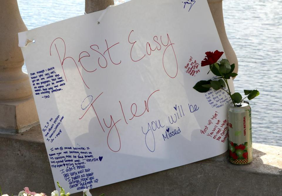 Cambridge, MA - 7/30/2016 - Memorial on the Weeks footbridge over the Charles River for Tyler Greene, a 18-year-old Harvard Summer School student from Georgia who died Friday night after jumping into the river from the bridge. - (Barry Chin/Globe Staff), Section: Metro, Reporter: Vivian Wang, Topic: 31drowning, LOID: 8.2.3828647283.