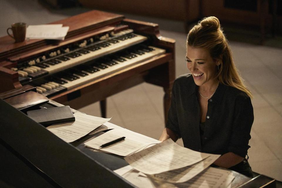 Newton native Rachel Platten appears in a new Nationwide commercial.