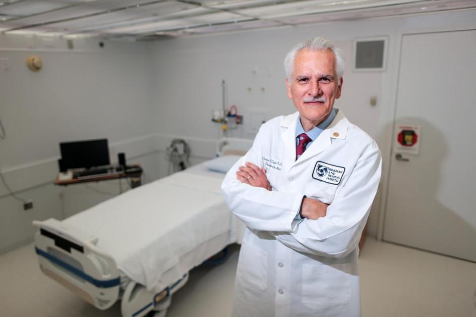 08/12/2016 BOSTON, MA Dr. Charles Czeisler (cq), chief of the Division of Sleep and Circadian Medicine, poses in the sleep lab at Brigham and Women's Hospital in Boston. (Aram Boghosian for The Boston Globe)