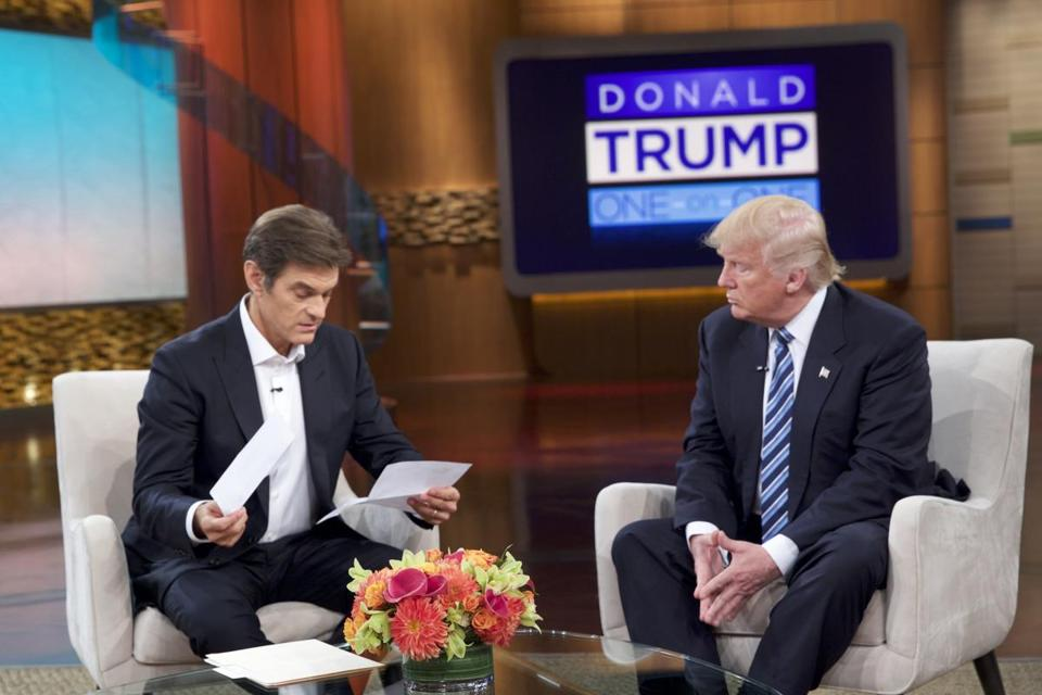 "This image released by Sony Pictures Entertainment shows Dr. Oz, left, and Republican presidential candidate Donald Trump during a taping of ""The Dr. Oz Show,"" in New York. The show will air on Thursday, Sept. 15. (Sony Pictures Entertainment via AP)"