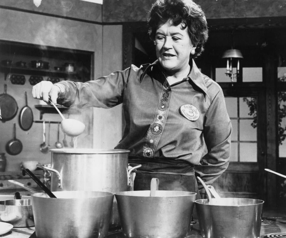 Food pages, print scan/ Julia Child, prepares Soupe De jour on The French Chef . photo by Paul Child. (Run date 4-20-74) Library Tag 08142002 Food -- 100916JuliaChild
