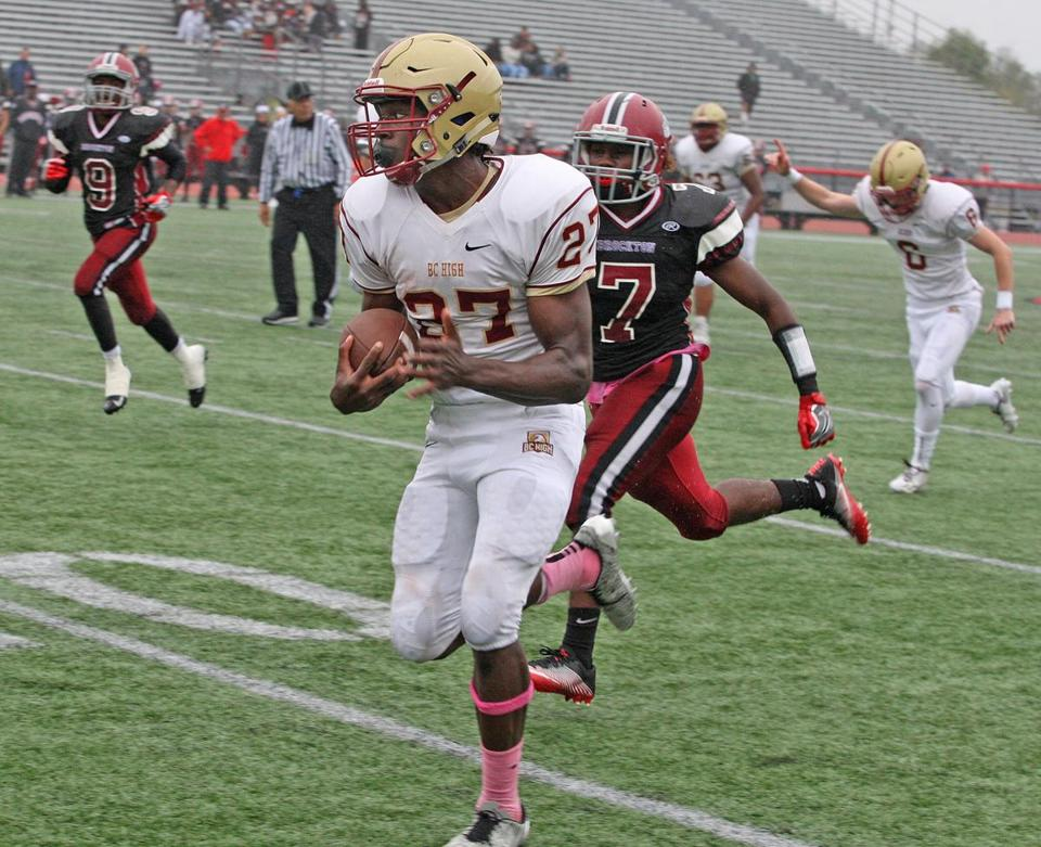 Brockton,MA, Marciano Stadium, Brockton vs BC High School......FOR FILE...BCHIGH RUNNING BACK DANNY ABRAHAM ENROUTE TO LATE FIRST HALF 39YD TOUCHDOWN...................(George Rizer for the Globe) for SPORTS reporter: Lenny Rowe
